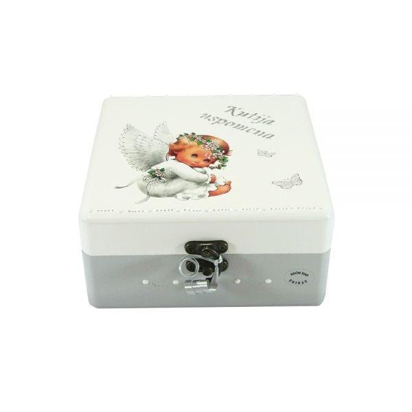 Personalizirana Kutija uspomena savršeni je poklon za krštenja. rođenja djeteta ili rođendane