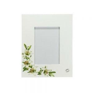 Personalizirani okvir za fotografije savršeni je poklon za pričest, rođendan ili vjenčanja