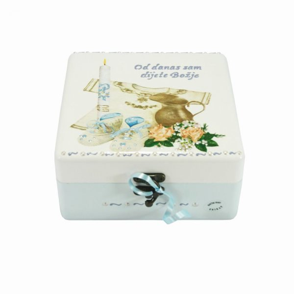 Personalizirana kutija uspomena savršeni je poklon za krštenje