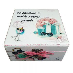 Personalizirana kutija uspomena savršeni je poklon za rođendan.