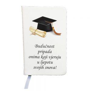 Personalizirani rokovnik savršena je uspomena na dan diplomiranja.