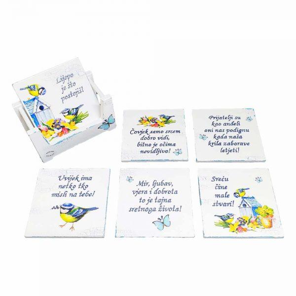 Personalizirani podmetači za čaše originalan su i praktičan poklon koje krasi rukom pisani tekst.