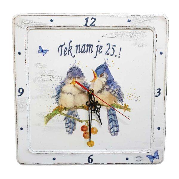 Personalizirani sat je divan poklon za rođendan Sat je ručni rad, nosi rukom pisan i pomno odabran citat baš za osobu kojoj darujete