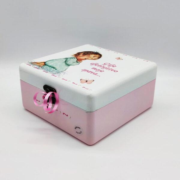 Personalizirana kutija savršeni je poklon za krštenja, Pričest, rođendane. Ručni rad, nosi rukom pisan citat baš za osobu kojoj darujete