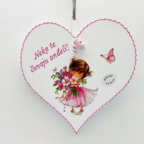 Personalizirano srce je poklon za bilo koju prigodu. Srce je ručni rad, nosi rukom pisan i pomno odabran citat baš za osobu kojoj darujete