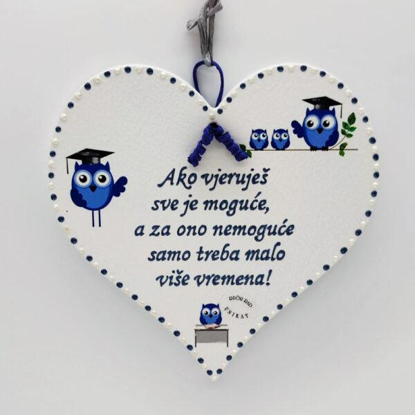 Personalizirano srce je poklon za učitelje/ice, tete u vrtiću.. Srce je ručni rad, nosi rukom pisan i pomno odabran citat baš za osobu kojoj darujete