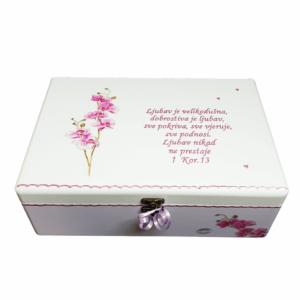 Personalizirana Kutija uspomena poklon je za godišnjicu braka Kutija je ručni rad, nosi rukom pisan i pomno odabran citat baš za osobu kojoj darujete