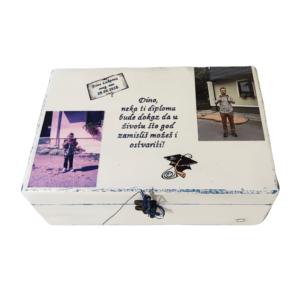 Kutija uspomena poklon za obranu diplomskog. Kutija uspomena unikatna je ne samo zato što je ručni rad, već i zato što nosi rukom pisan i pomno odabran citat.